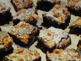 Gâteau Fondant au Chocolat et Noisettes Caramélisées