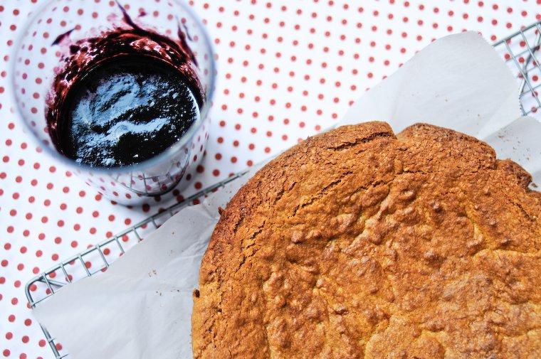Gâteau aux amandes, coulis de myrtille Recette