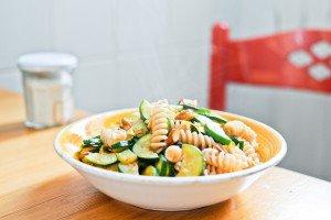 Pâtes aux courgettes, amandes et zestes de citron