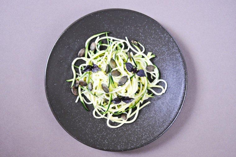 Spaghetti de courgettes en salade