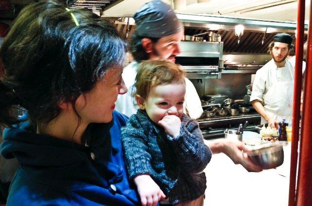 Aria et Edith dans les cuisines de Blue Hill à New York.