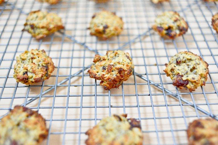 Biscuits pour le petit d jeuner aux flocons d avoine recette chocolate zucchini - Recette petit dejeuner sain ...