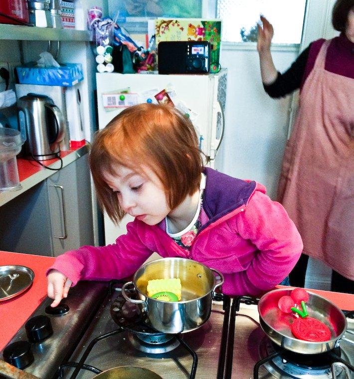 Olivia et la cuisinière à gaz (!)