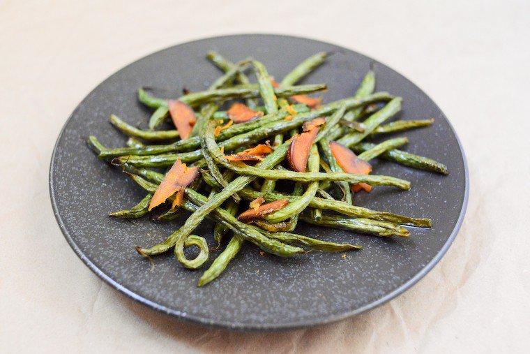Haricots verts rôtis et copeaux de poutargue Recette