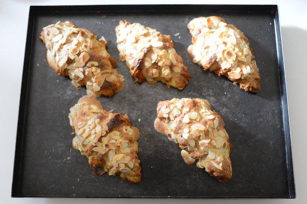 Croissants aux amandes : Sortis du four