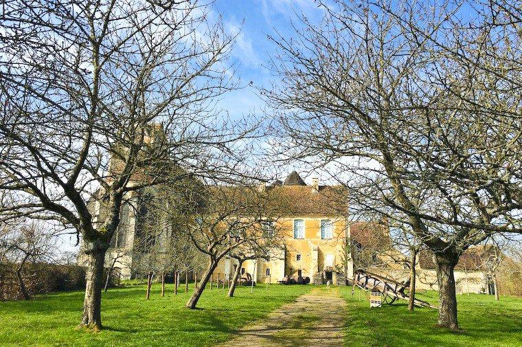Le prieuré de Sainte-Gauburge à Saint-Cyr-la-Rosière, qui abrite l'éco-musée du Perche.