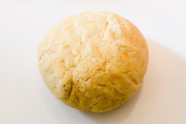 Préparation de la pâte pour les flatbreads