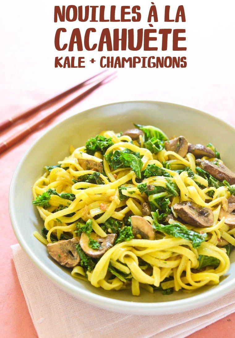 Nouilles à la cacahuète, kale et champignons