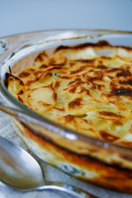 French Scalloped Potatoes (Gratin Dauphinois)