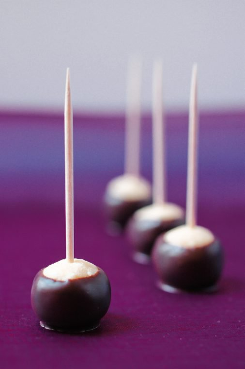 Chocolate-Dipped Hazelnut Marbles Recipe