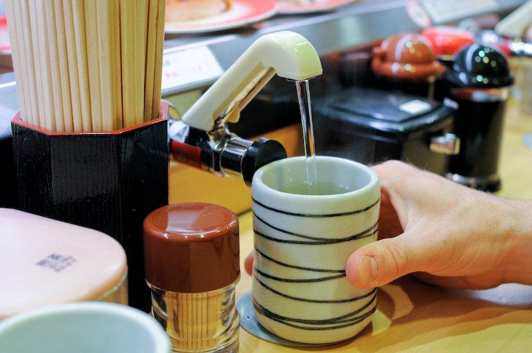 Tea tap at Akagakiya (Osaka)
