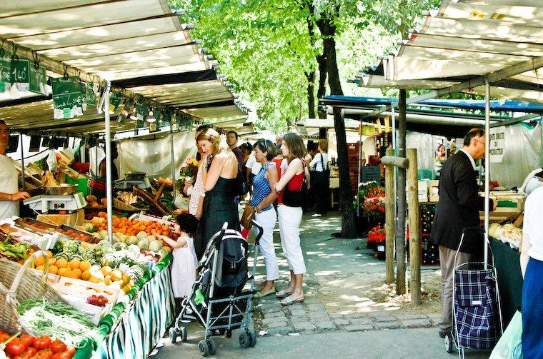 Batignolles organic greenmarket