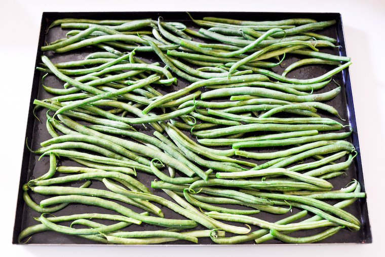 Green beans on the sheet pan