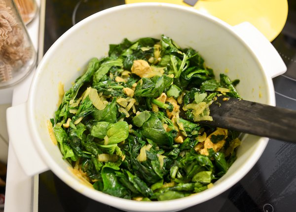 30-Minute Spinach and Chicken Coconut Curry Recipe ...