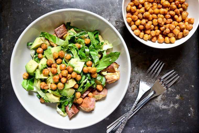 Spicy Crunchy Roasted Chickpeas Recipe
